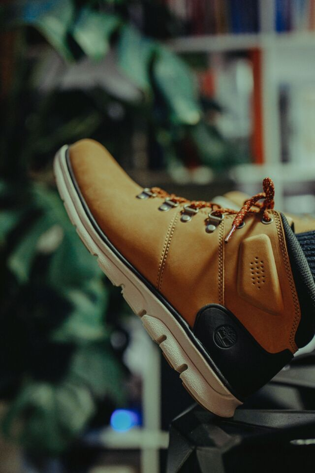 BRADSTREET MID HIKER 231 WHEAT NUBUCK