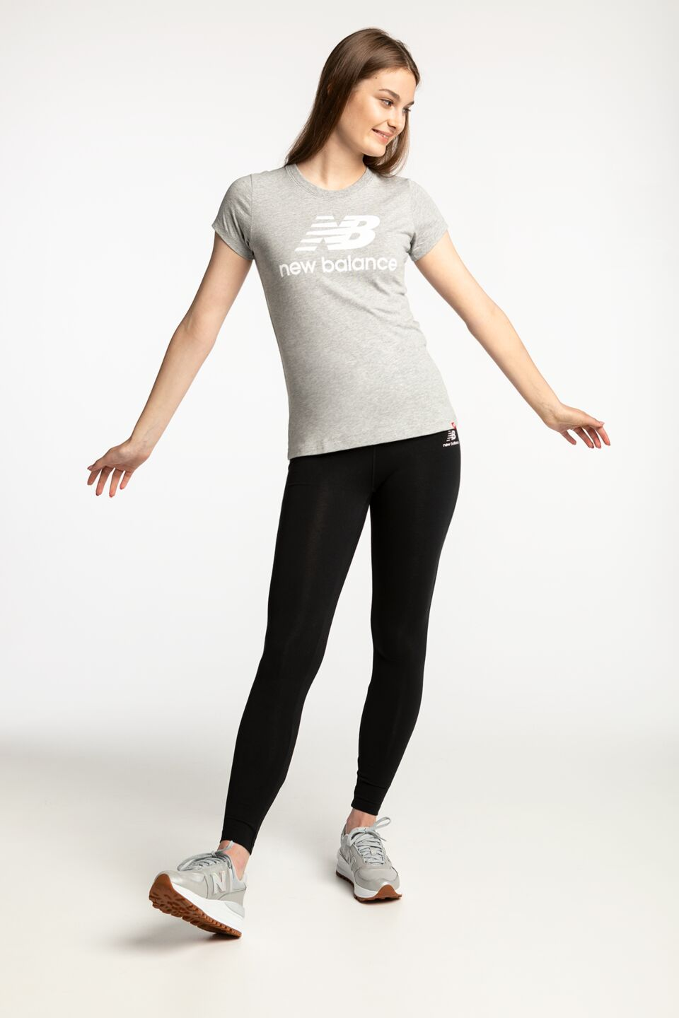 ESSENTIALS STACKED LOGO TEE AG WT91546AG GREY
